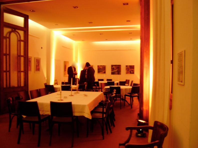 Image 3 - Salone Piazza Grande