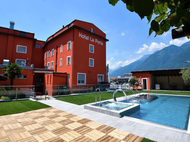 Image 1 - Hotel la Perla, S.Antonino
