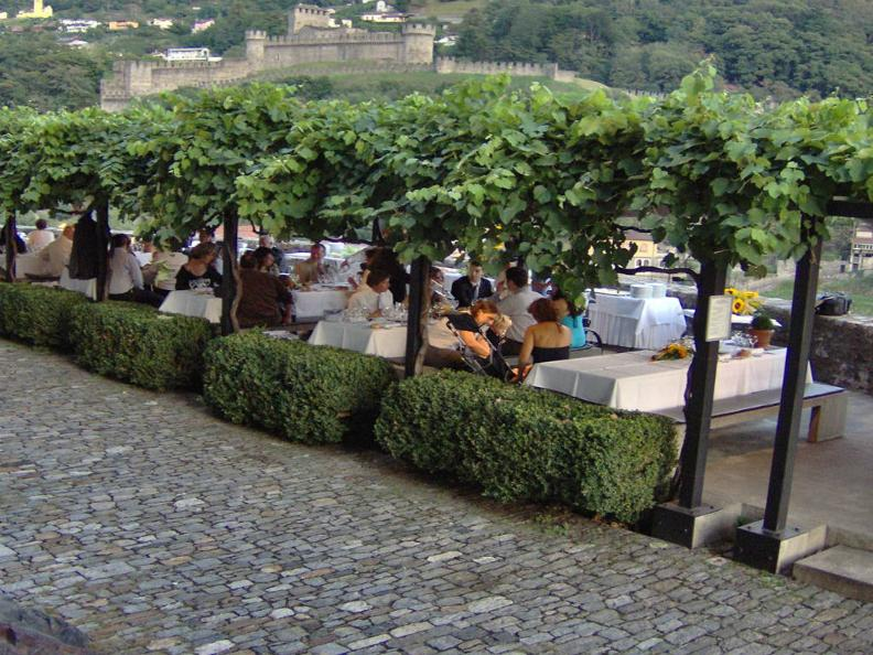 Image 0 - Restaurant Castelgrande