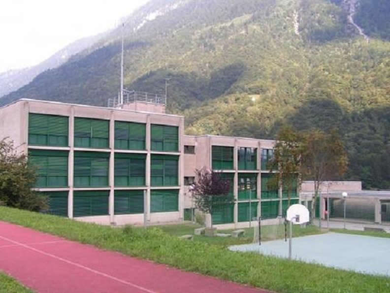 Image 0 - Scuola Media Acquarossa