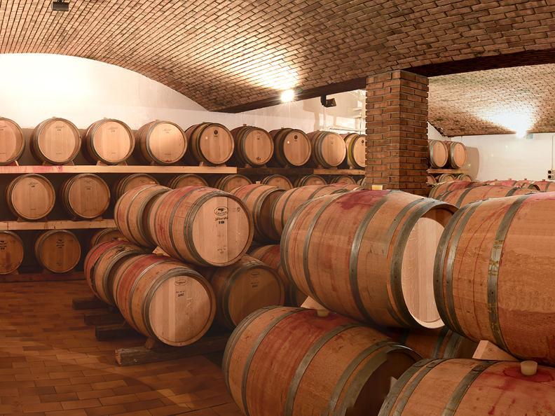 Image 2 - Tamborini Vini