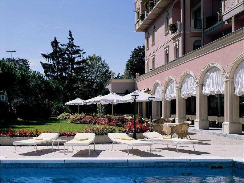 Image 0 - Hotel de la Paix