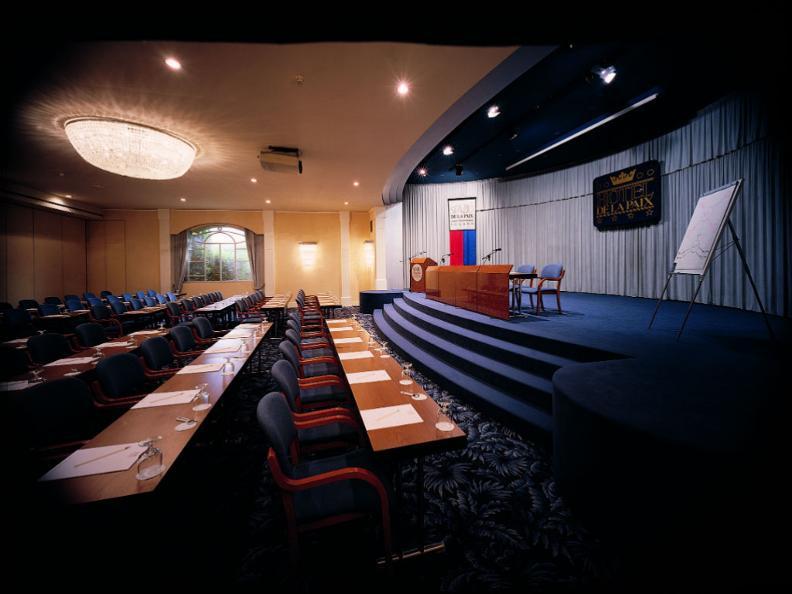 Image 1 - Hotel de la Paix
