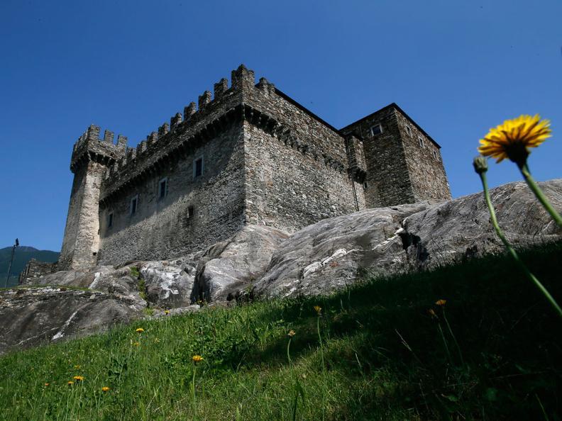 Image 0 - Castello di Sasso Corbaro