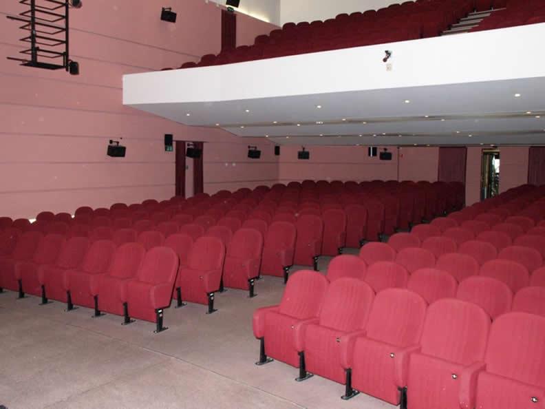 Image 2 - Kursaal Locarno SA - Theatre hall