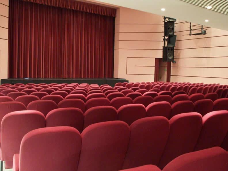 Image 5 - Kursaal Locarno SA - Theatre hall