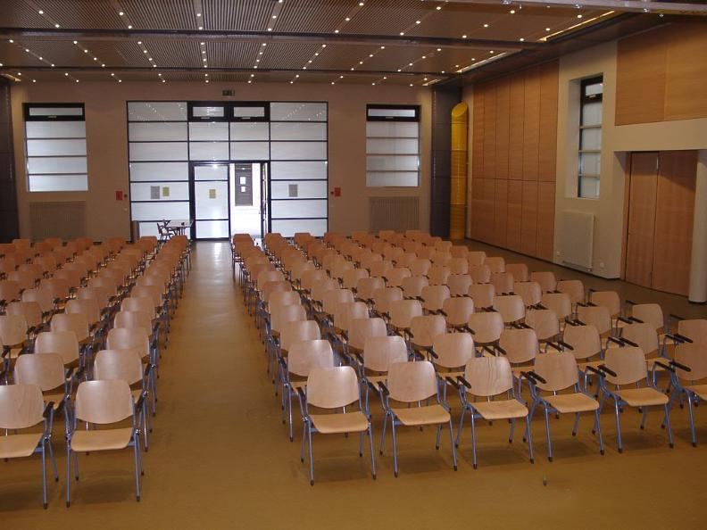 Image 0 - Sala Multiuso Porza