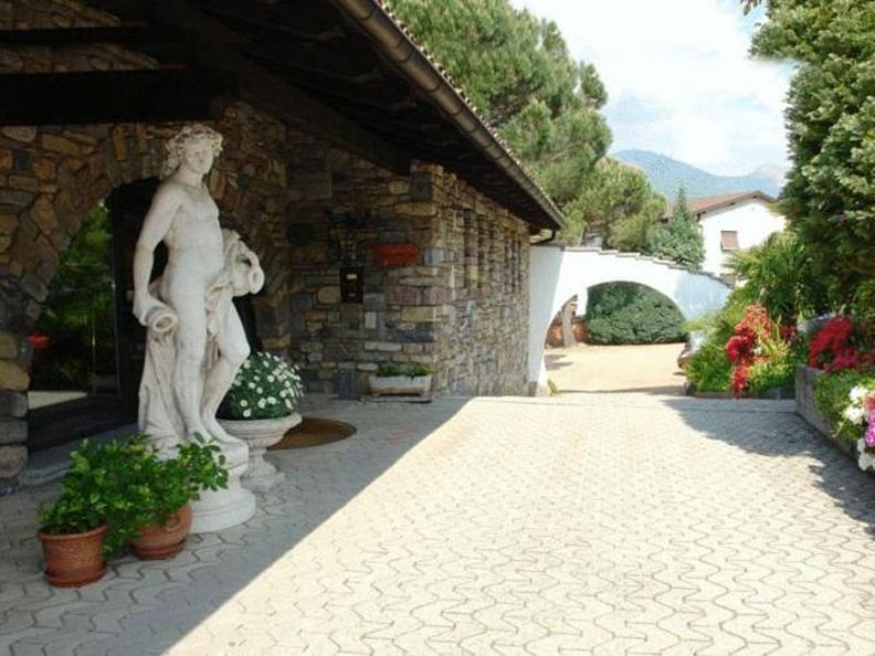 Image 1 - Hotel La Comanella