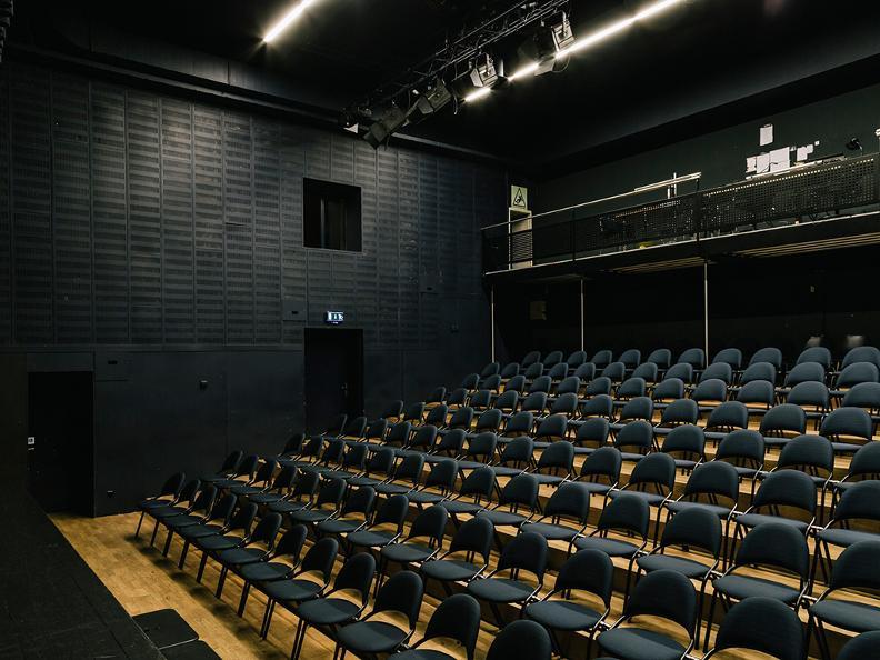 Image 0 - Teatro Foce