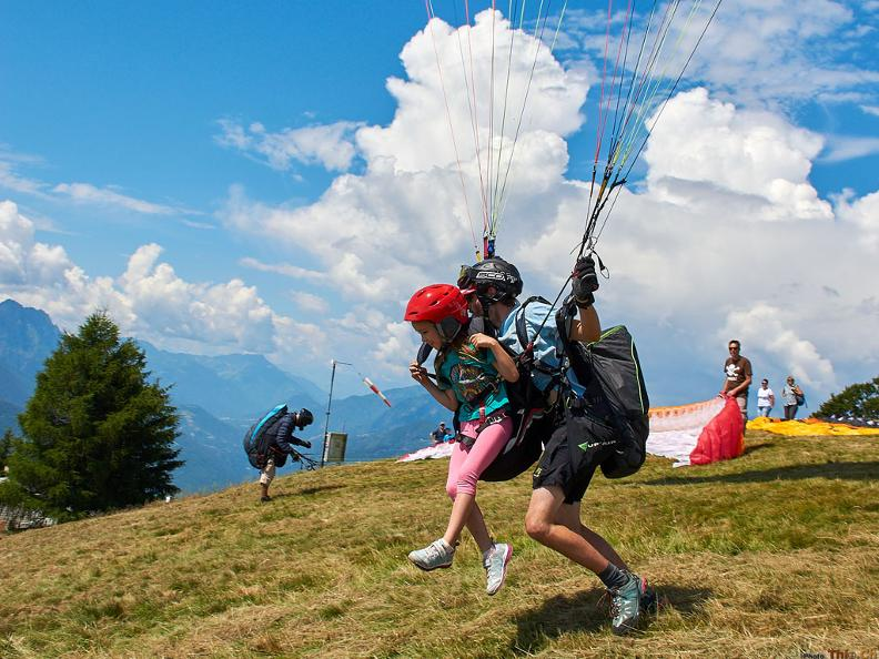 Image 2 - Mountaingliders - Paragliding Flights with Professional Tandem Pilots