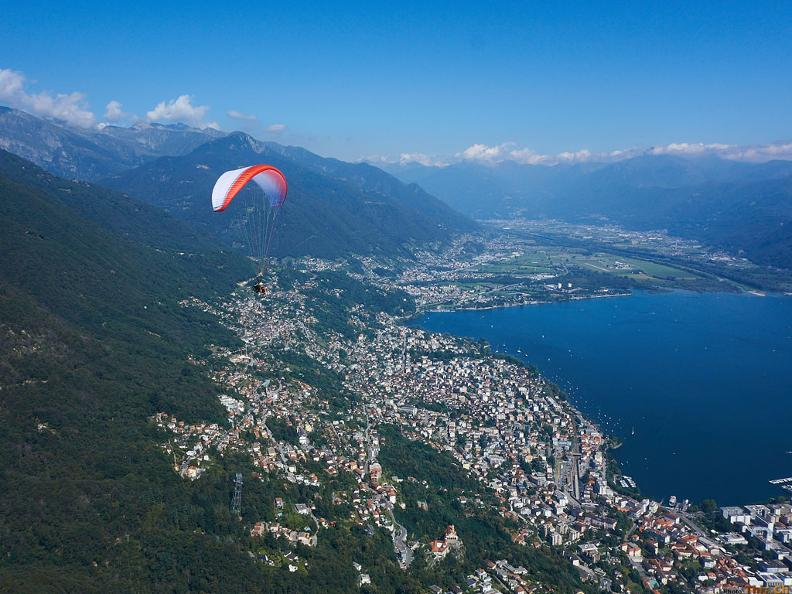 Image 3 - Mountaingliders - Paragliding Flights with Professional Tandem Pilots