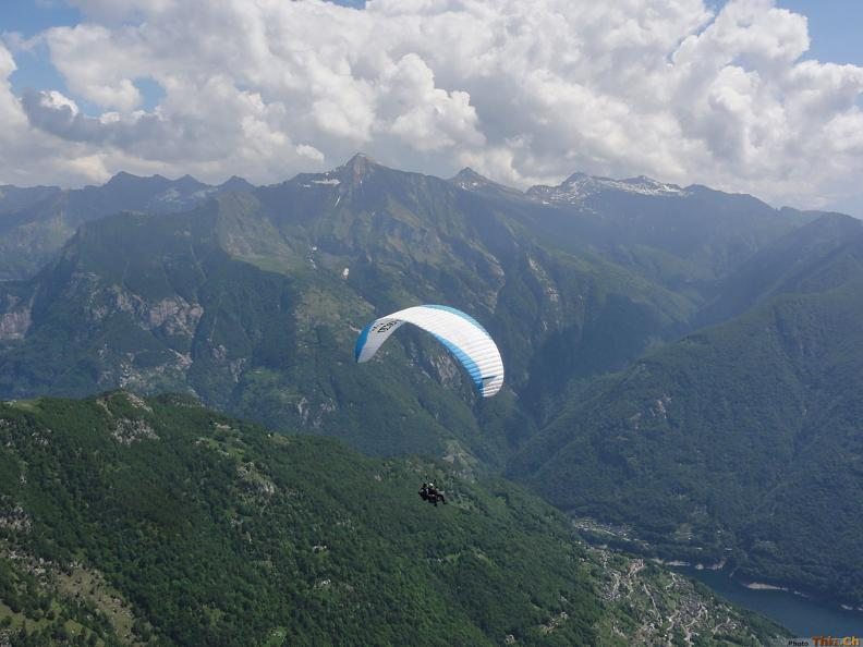 Image 4 - Mountaingliders - Paragliding Flights with Professional Tandem Pilots
