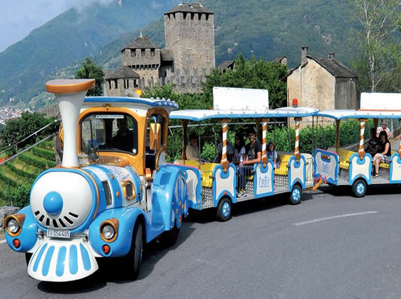 Image 2 - Artù, the small train of the Castles