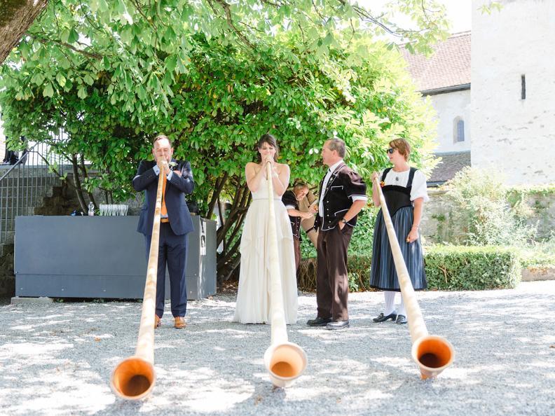 Image 4 - Laura Dova Weddings