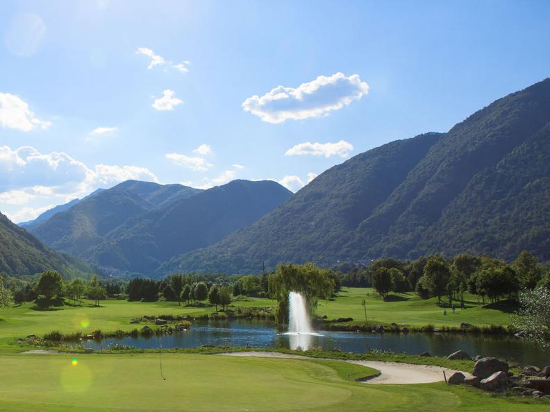 Image 4 - Golf & Team Building