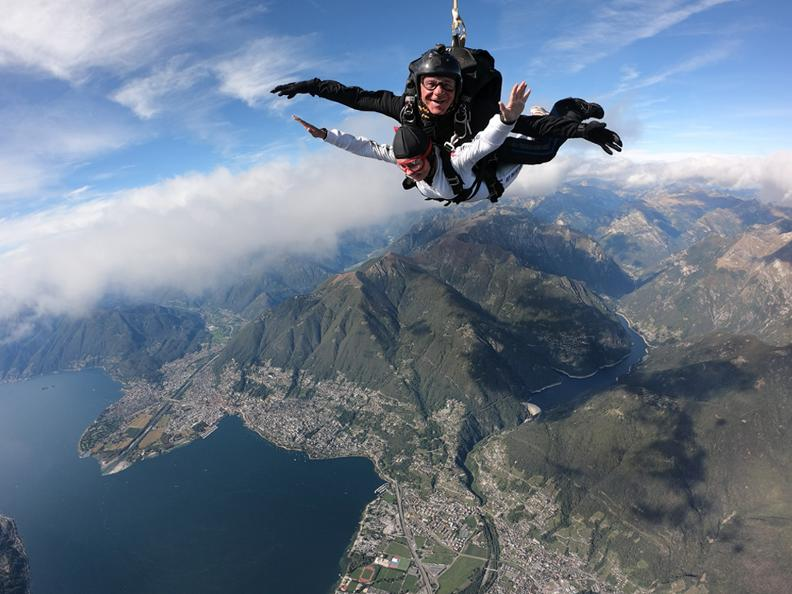 Image 5 - Skydiving in Locarno
