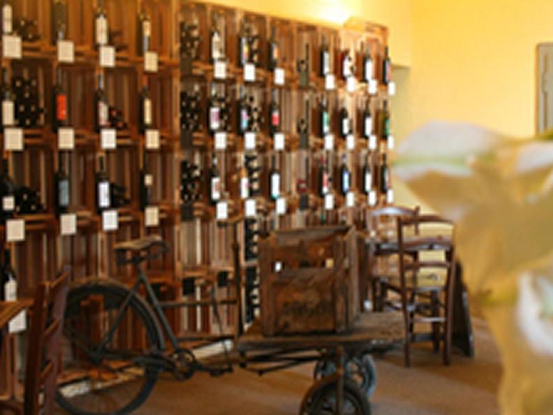 Image 2 - Cantina vinicola Lucchini - L'Enoteca di Via Cantonale