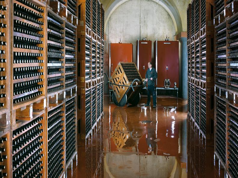 Image 1 - Vini & Distillati Angelo Delea SA