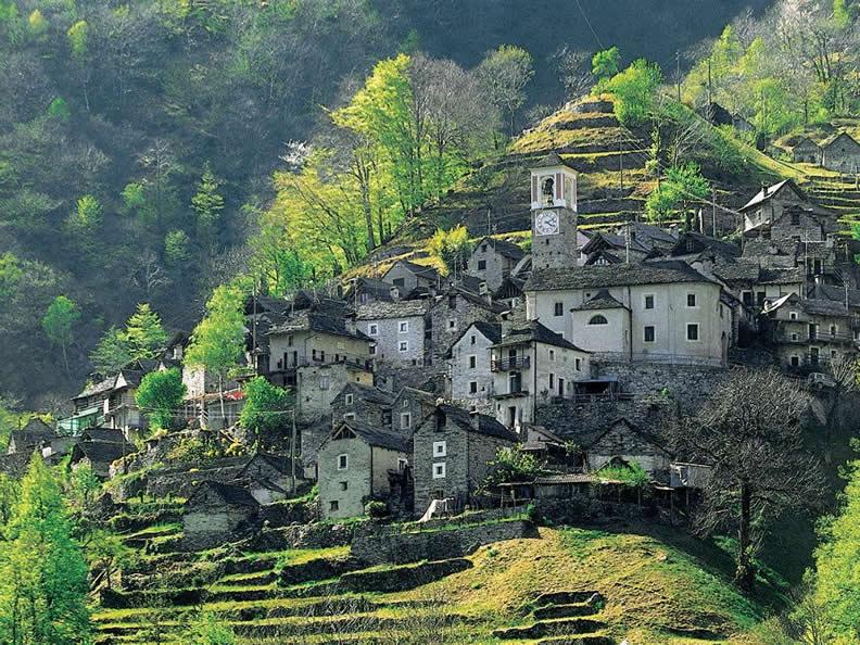 Image 0 - Dorfkern von Corippo
