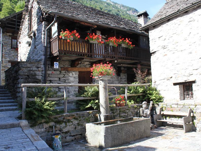 Image 4 - Dorfkern von Sonogno