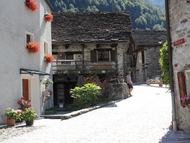 Image 3 - Dorfkern von Sonogno