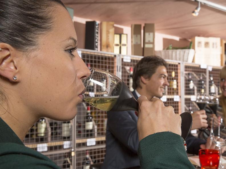 Image 2 - Degustazione di vini
