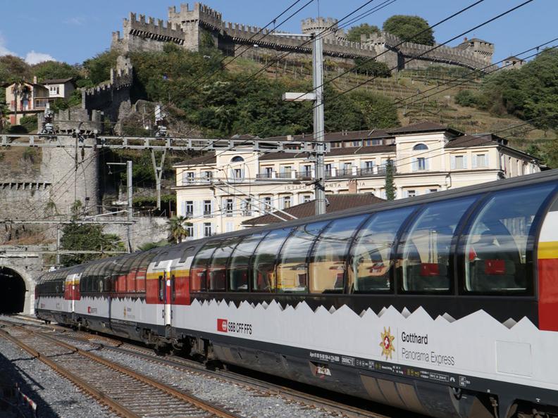 Image 7 - Gotthard Panorama Express