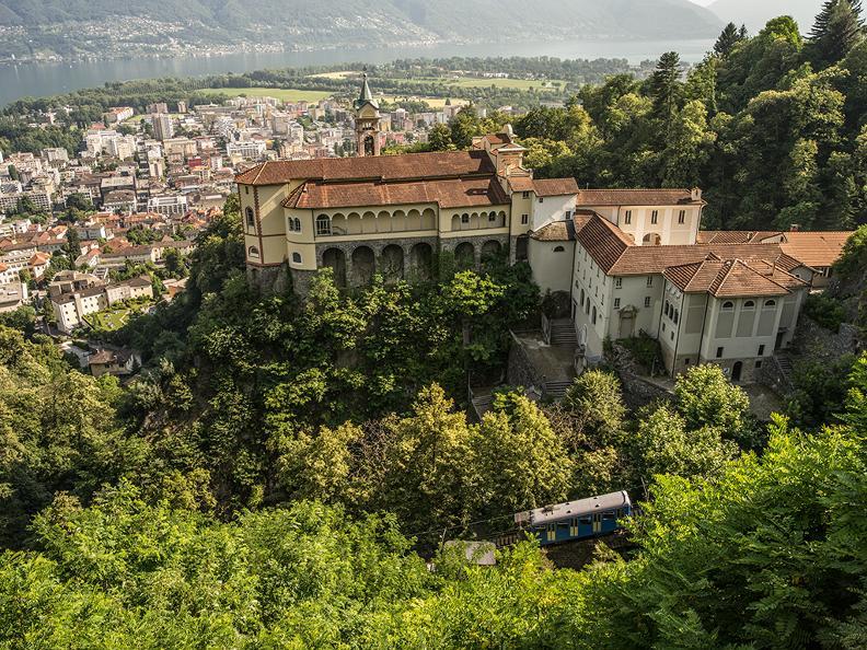 Image 3 - Funicolare Locarno-Madonna del Sasso