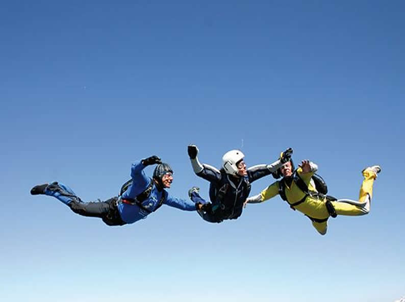 Image 4 - Skydiving in Locarno