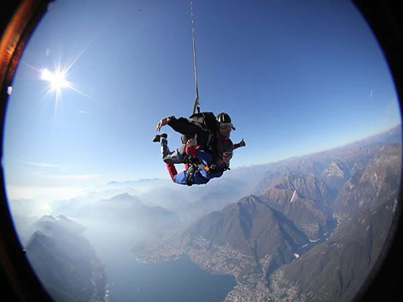 Image 3 - Skydiving in Locarno