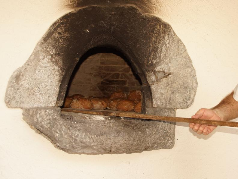 Image 0 - Intragna and baking bread in a traditional oven