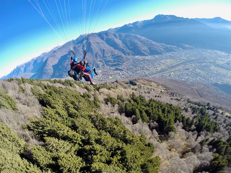 Image 1 - FlyTicino – Paragliding tandem flights in Bellinzonese e Alto Ticino
