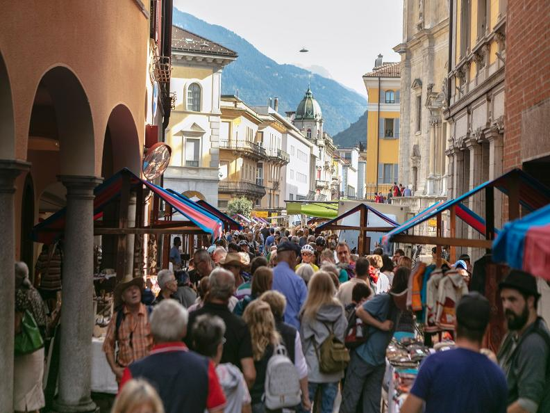 Image 5 - The market of Bellinzona